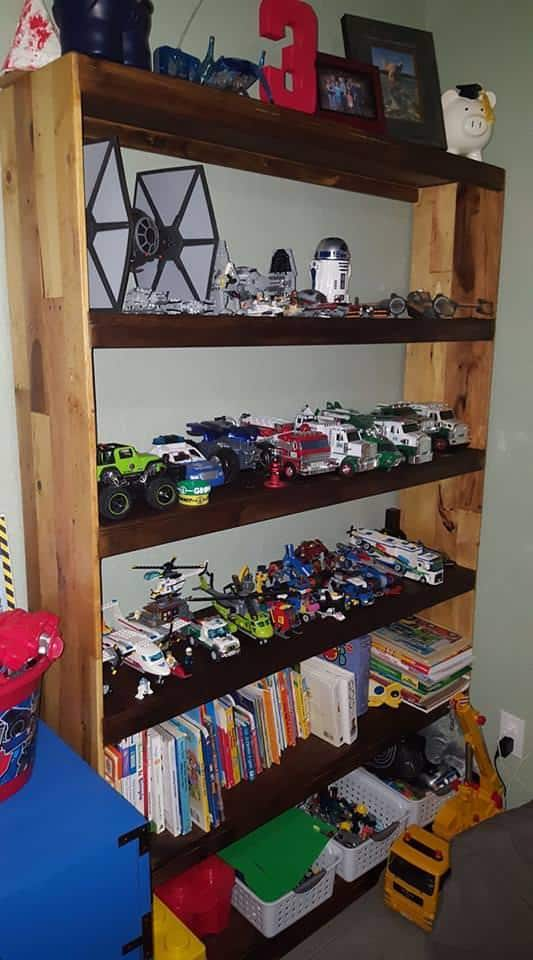 Two-tone Pallet Display Shelf Doubles As Bookshelf! Pallet Bookcases & Bookshelves