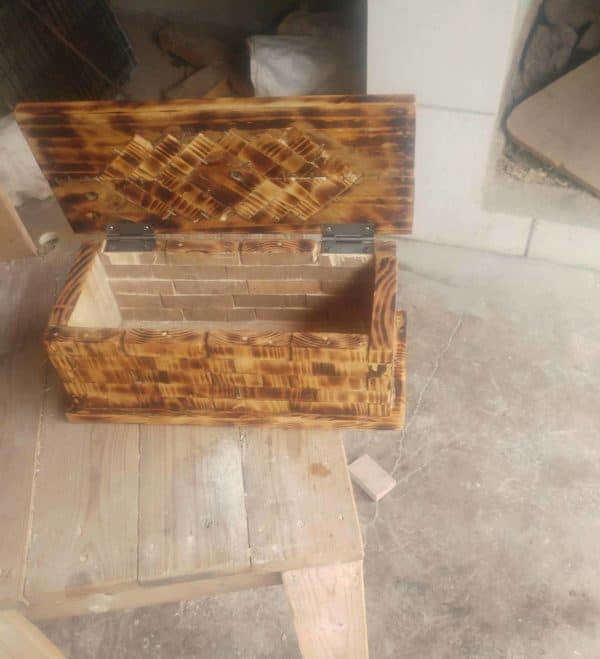 Woodburned Pallet Jewelry Box Features Wood Inlay Pallet Boxes & Chests Pallet Home Décor Ideas