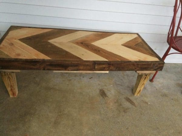 Awesome Angled Coffee Table Made Using 2 Pallets! Pallet Coffee Tables