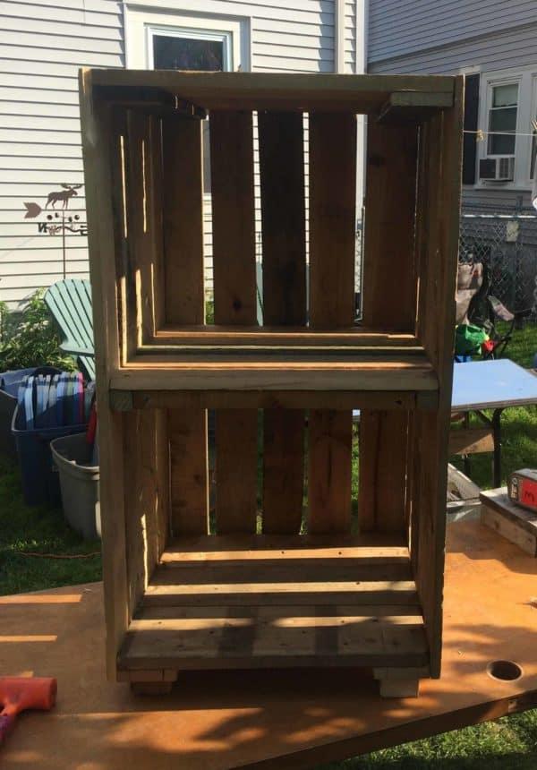 Quick Storage Solution: Workshop Pallet Shelving Pallet Boxes & Chests Pallet Shelves & Pallet Coat Hangers