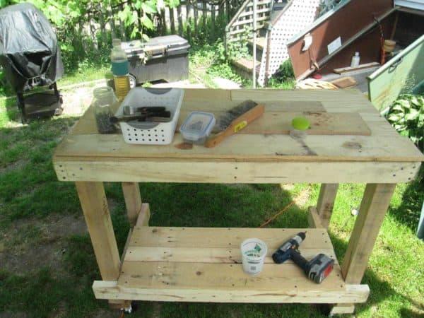 Mobile Pallet Work Table Pallet Desks & Pallet Tables