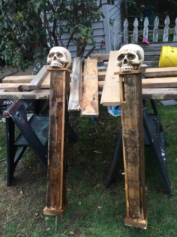 Halloween Pallet Gate Posts Other Pallet Projects