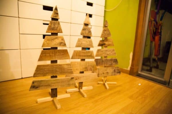 Three Little Pallet Christmas Trees Pallet Home Décor Ideas