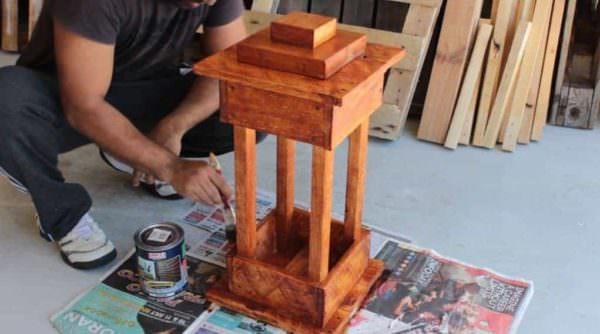 Diy: Wood Pallet Lantern DIY Pallet Tutorials DIY Pallet Video Tutorials Pallet Lamps & Lights