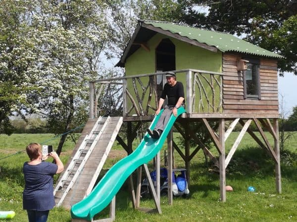 Pallet Children's Hut Fun Pallet Crafts for Kids Pallet Sheds, Cabins, Huts & Playhouses