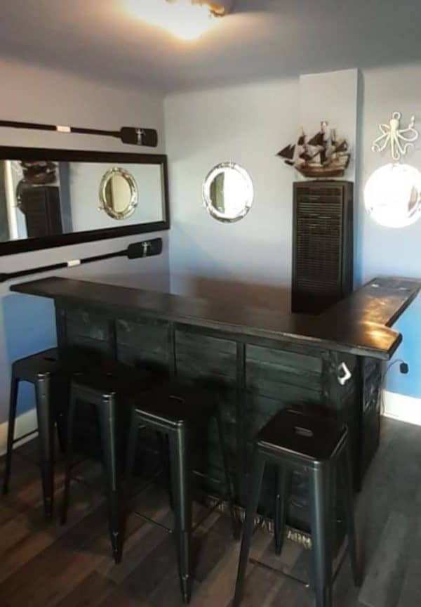 The Admiral's Arms Pallet Bar Pallet Bars