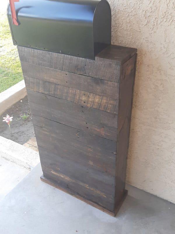 Rustic Pallet Mail Box Tower Pallet Home Décor Ideas