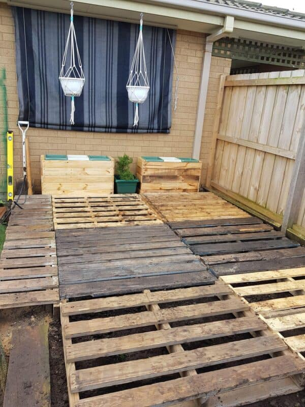 Garden Planter From One Single Pallet Pallet Planters & Compost Bins