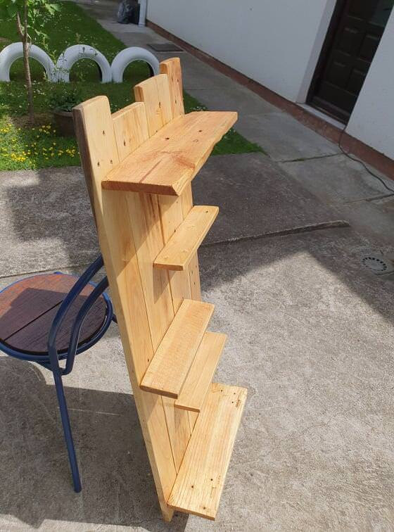 Multi-purpose Pallet Shelf From One Ordinary Pallet Pallet Shelves & Pallet Coat Hangers
