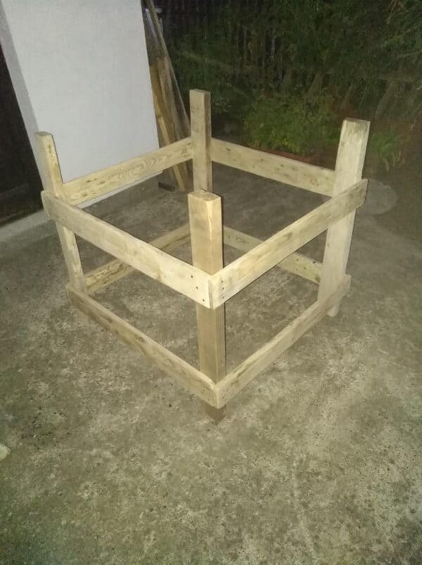 How I Made A Pallet House For Kittens Animal Pallet Houses & Pallet Supplies