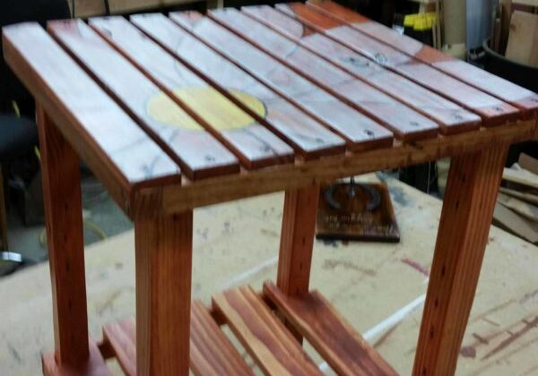 1001pallets.com-a-side-table-i-made-from-pallet-wood