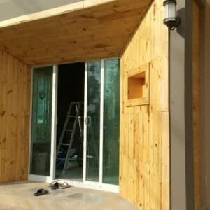 1001pallets.com-coat-entrance-to-the-house-02