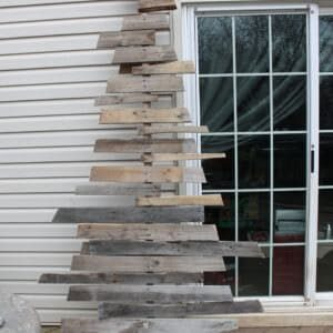 1001pallets.com-christmas-tree-from-two-pallets