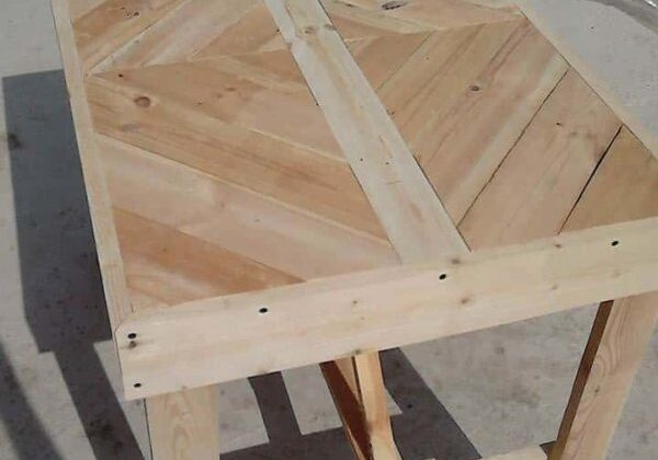 1001pallets.com-pallet-table-for-several-purposes