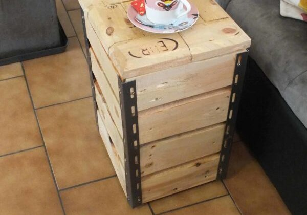 1001pallets.com-diy-video-tutorial-cute-little-pallet-side-table-01