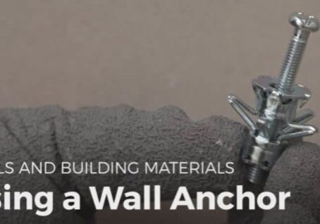 1001pallets.com-diy-video-tutorial-using-wall-anchors-01