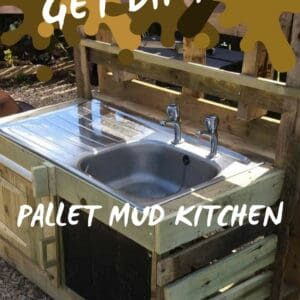 1001pallets.com-fun-in-the-sun-pallet-mud-kitchen-01