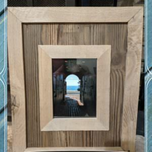 1001pallets.com-highlight-your-photos-pallet-wood-picture-frame-03