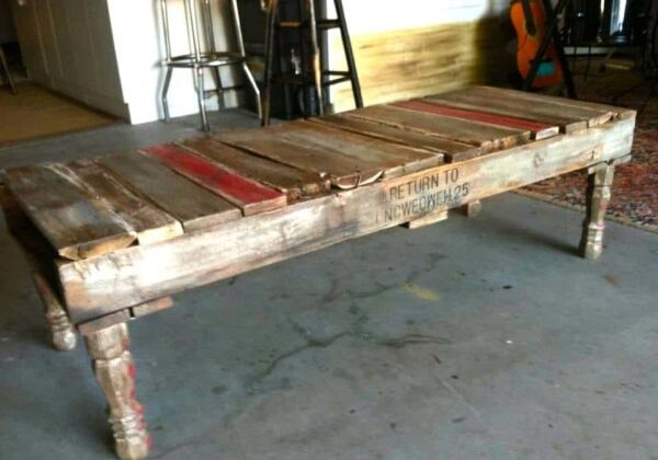 1001pallets.com-homemade-pallet-coffee-table-01