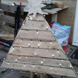 1001pallets.com-outdoor-christmas-tree