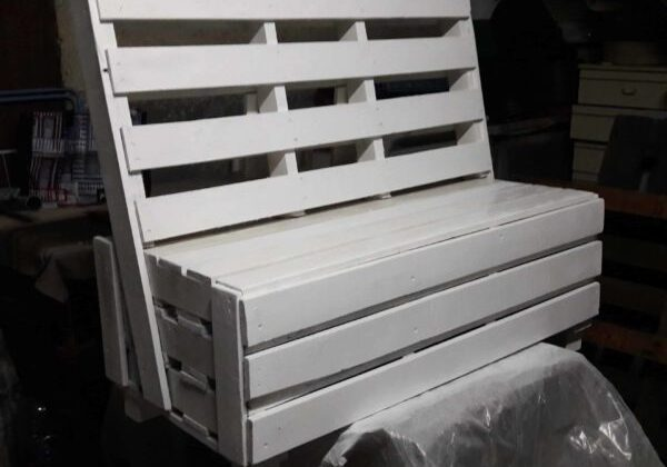 Pallet Box Bench Can Be Used Almost Anywhere!