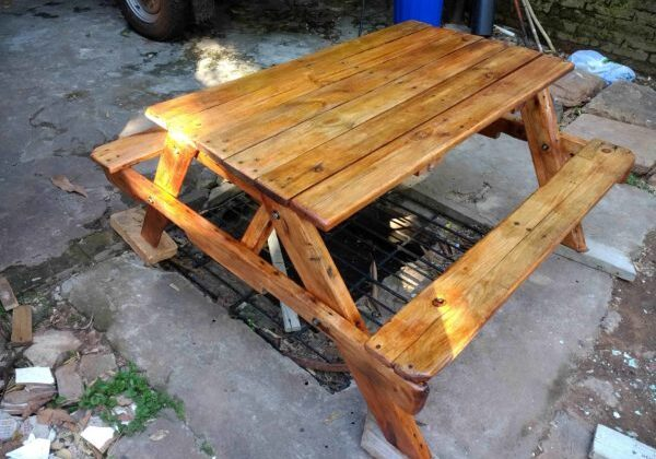 1001pallets.com-children-picnic-table-03