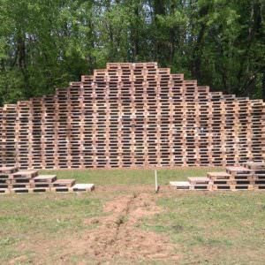 1001pallets.com-stage-back-to-the-woods-3