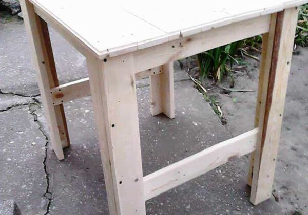 1001pallets.com-table-of-two-pallets