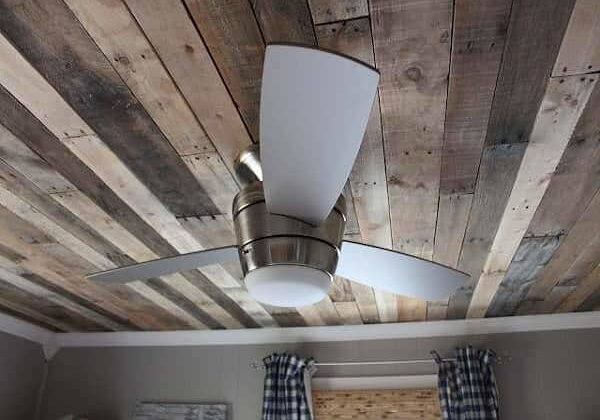 Pallet-Furniture-Plans-for-Bedroom-Ceiling