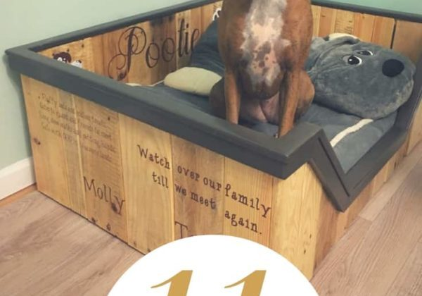 1001pallets.com-pamper-your-pup-11-plush-pallet-dog-bed-ideas-for-you-01