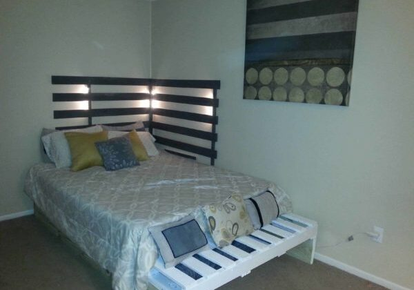 1001pallets.com-queen-bed-from-3-pallets