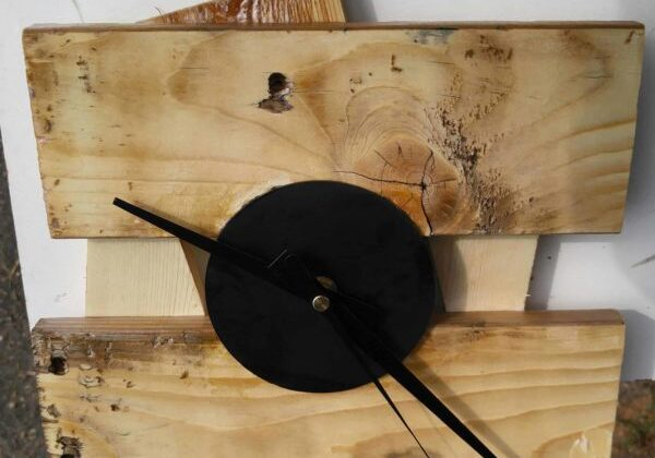 1001pallets.com-recycled-pallet-clock