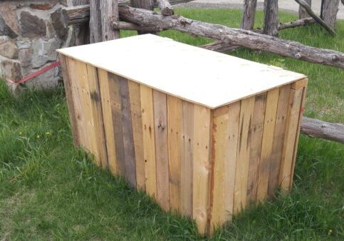 1001pallets.com-recycled-pallet-garbage-box