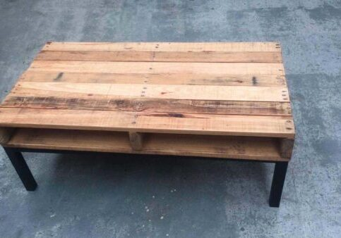 1001pallets.com-palette-and-steel-coffee-table-1