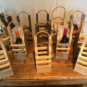 1001pallets.com-rustic-wood-wine-reusable-wine-gift-bags