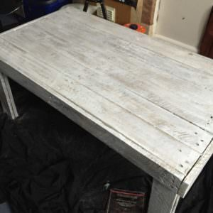1001pallets.com-rustic-coffee-table