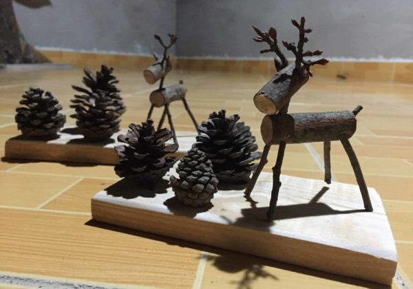 1001pallets.com-upcycled-nature-scenes-fun-pallet-desk-decorations-01